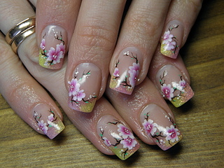 Маникюр Цветы сакуры фото