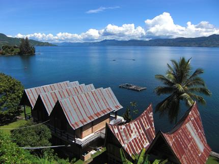 Индонезия остров Суматра озеро Тоба