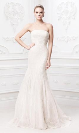 Вечернее платье без бретелек