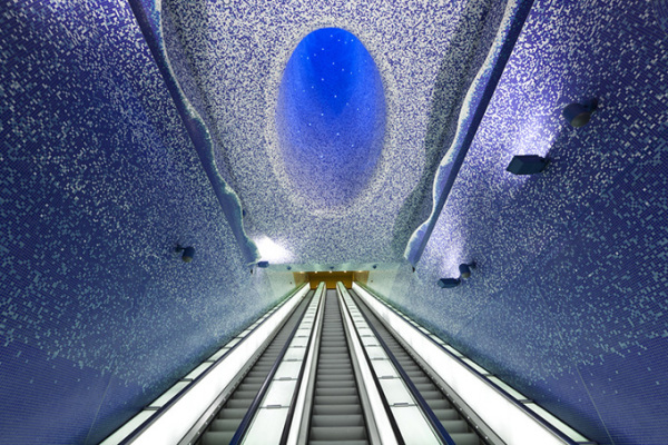 Станция метро Толедо эскалатор