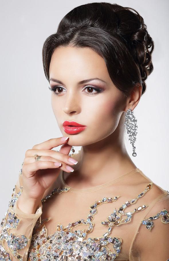 прекрасная элегантная женщина