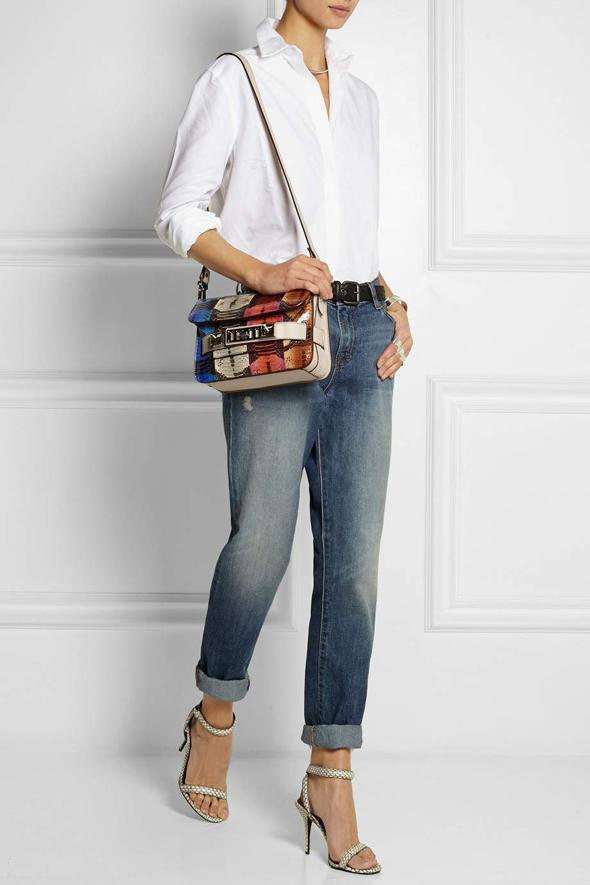 Сочетание сумки Проэнза с джинсами