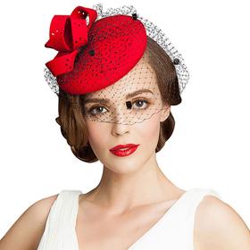 новогоднее платье и красная шпляпка