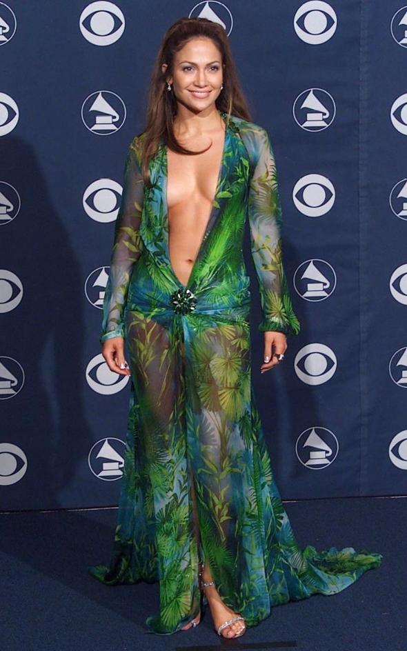 Дженифер Лопез в платье от Верчаче