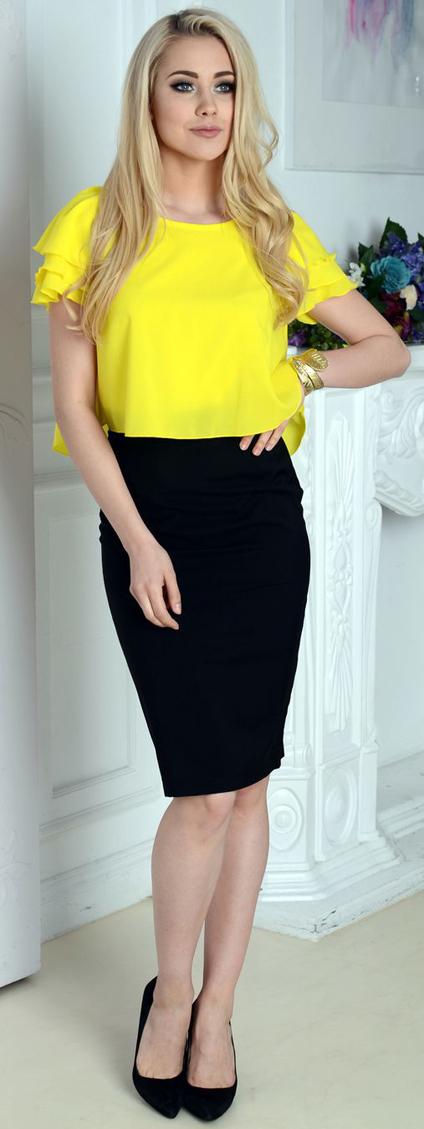 желтая блузка и юбка карандаш